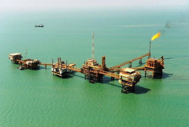 Iran halves gasoline imports