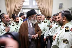 قائد الثورة الاسلامية يستقبل قادة الشرطة الايرانية