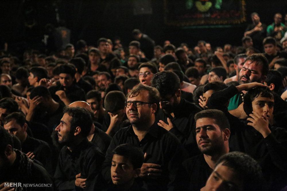 مراسم عزاداری شب دوم محرم در هیئت رزمندگان اسلام قم