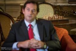 گفتگو با نیکلاس هاپتون سفیر انگلستان درتهران