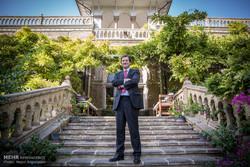 لقاء مع السفير البريطاني في طهران نيكولاس هابتون/ صور