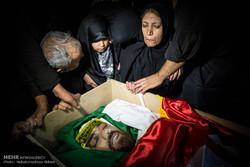 مراسم وداع مدافع الحرم الشهيد مهدي حسيني / صور