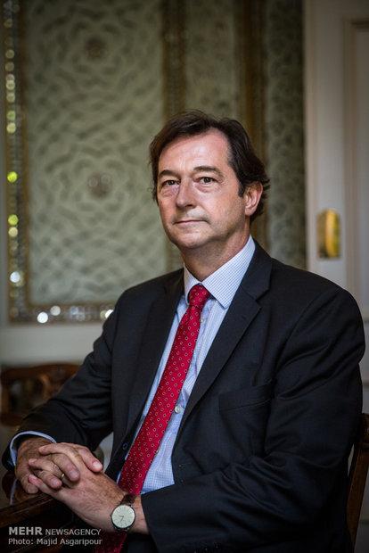 عکس روباه پیر سفیر انگلیس سفارت انگلیس جنایات انگلیس جاسوس انگلیسی پرونده روباه پیر