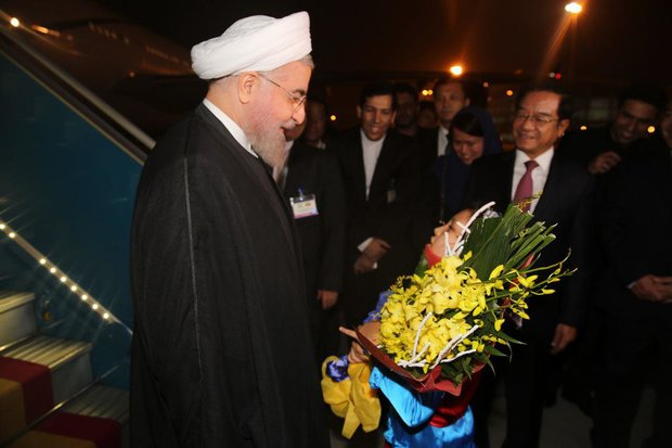 Rouhani arrives in Hanoi in his Asian tour