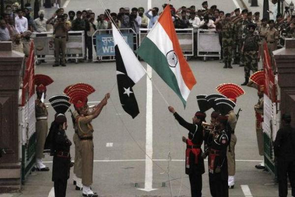هند شماری از دیپلمات های پاکستان را اخراج می کند
