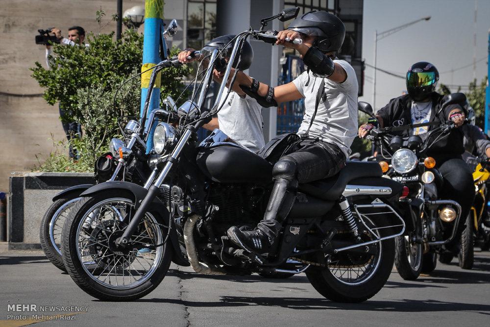 رژه موتورسواران قانونمند