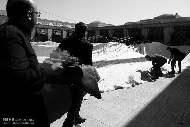 مراسم إقامة أقدم خيمة عزاء حسينية في اصفهان