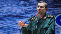 IRGC planning to equip speed boats with stealthy technology, new missiles