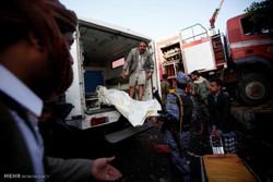 لحظة استهداف طائرات التحالف لعزاء في القاعة الكبرى بالعاصمة صنعاء /فيديو
