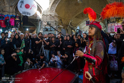 برگزاری آئین تعزیه خوانی و سوگواری حسینی در بازار تاریخی اراک
