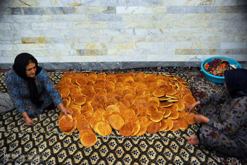 پخت نان نذری در روستای آهنگرمحله گرگان