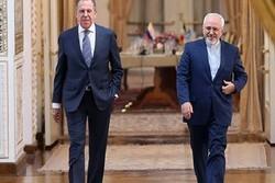 ظريف يؤكد أن العلاقات بين طهران وموسكو متنامية