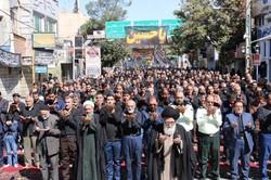 اقامه نماز ظهرعاشورا در استان تهران/بصیرتی که به نمایش درآمد