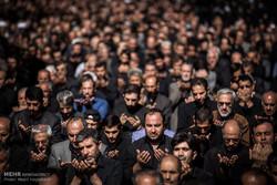 هزاران عزادار اردبیلی نماز ظهر عاشورا را اقامه کردند
