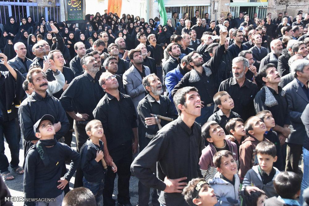 عزاداری مردم شهرستان منظریه و افتتاح میدان امام حسین (ع)