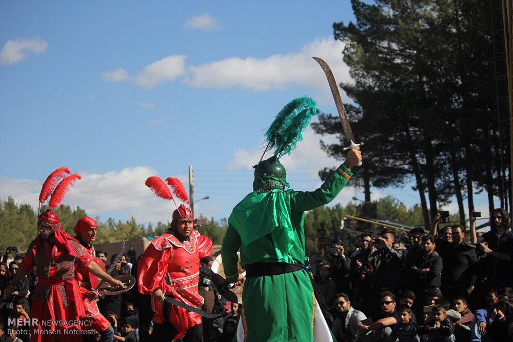 مراسم سنتی تعزیه خوانی ظهر عاشورا در قتلگاه بیرجند