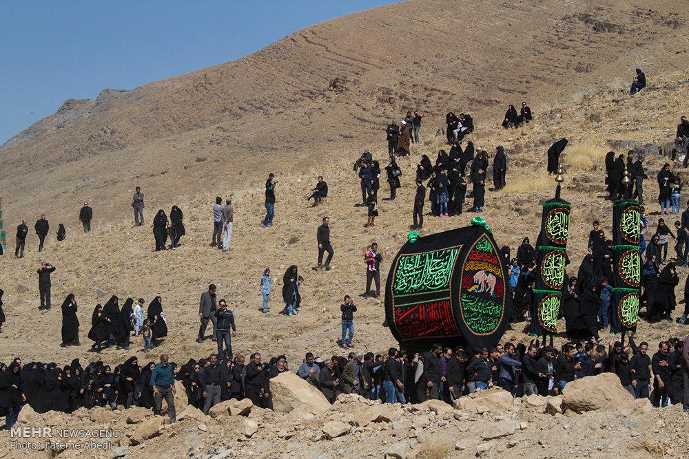 مراسم عزاداری روز عاشورا در روستای انجدان