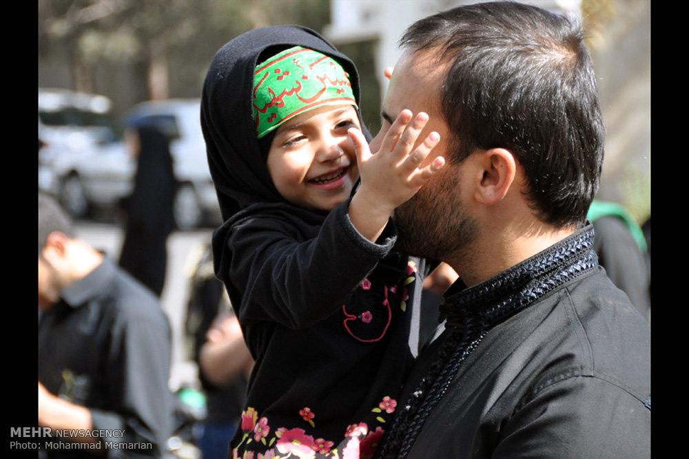 دستۀ عزاداری در شهرک قدس تهران