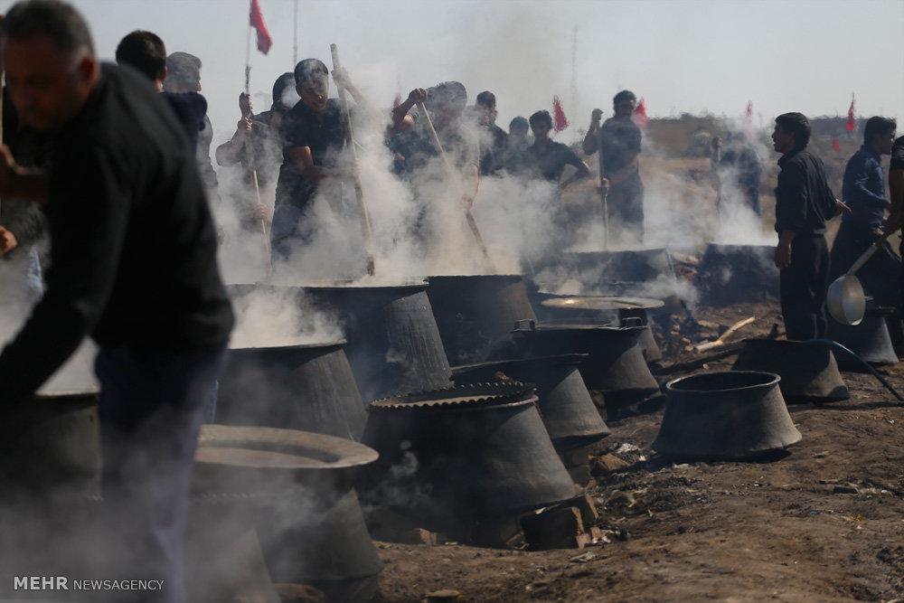 مراسم پخت نذری در شهرستان نوش آباد کاشان