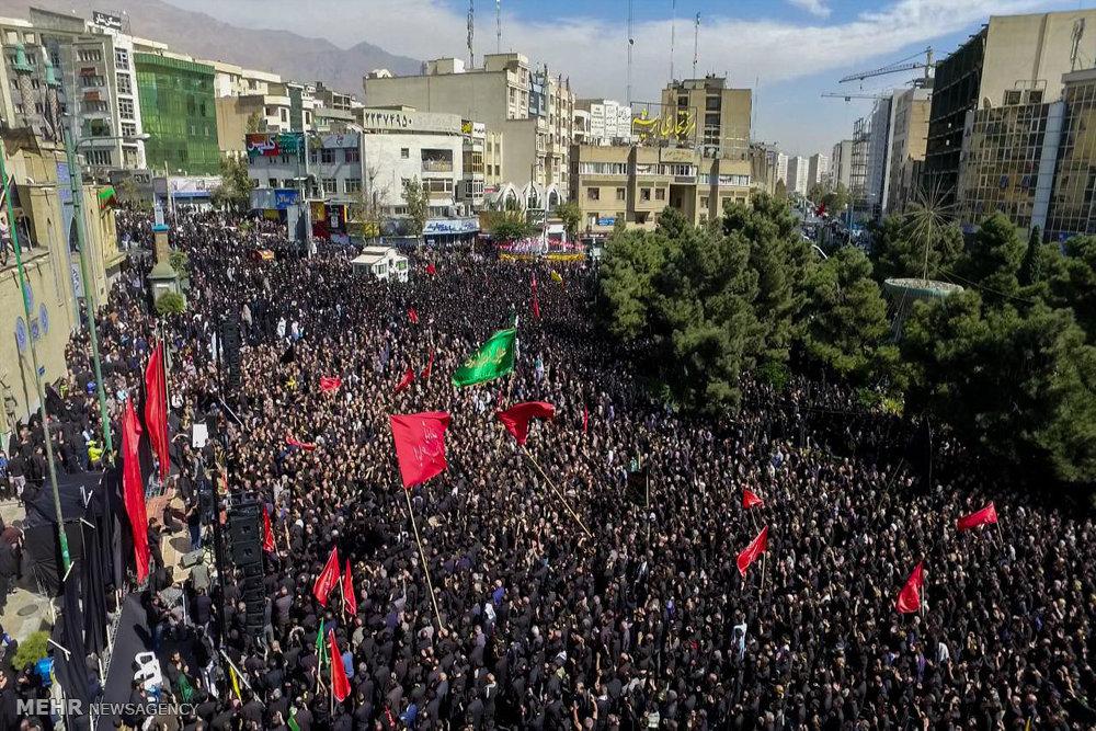 تجمع بزرگ عاشورائیان در سعادت آباد