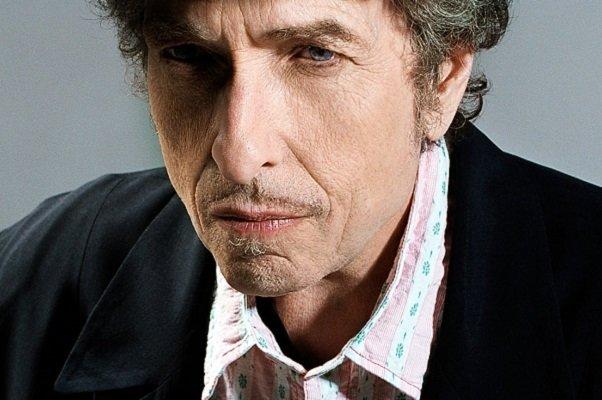 باب دیلن هیچ واکنشی به دریافت نوبل ادبیات ۲۰۱۶ نشان نداد