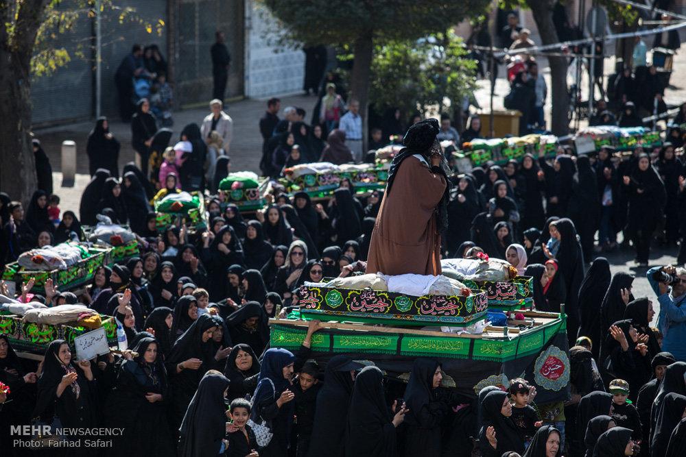 مراسم نمادین تشییع شهدای کربلا در قزوین