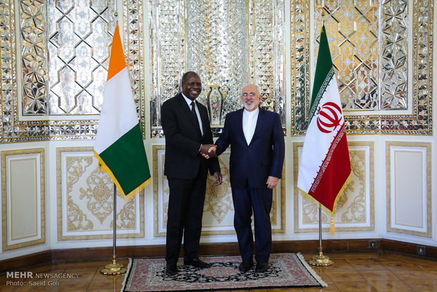 Zarif receives Benin, Ivory Coast officials