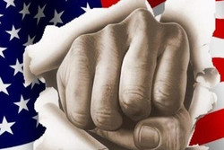 تکیه بر مستکبران اشتباه است/آمریکا نمی تواند مشکلی از ما حل کند