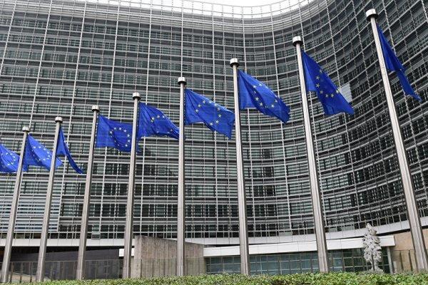 اروپا در برابر آمریکا باید متحد شود