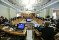 روحاني: مقارعة الاستكبار الحقيقي تكمن في الوحدة الداخلية وبث الأمل