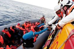 بحیرہ روم میں درجنوں مہاجرین کو بچا لیا گیا