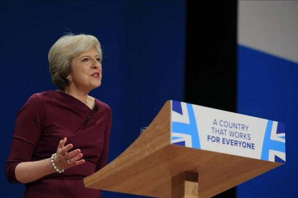 تيريزا ماي: بإمكان بريطانيا وأميركا أن تتعاونا مع روسيا في شأن التسوية السورية