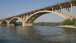 القوات الأمنية العراقية تسيطر على جسر الحرية في الموصل