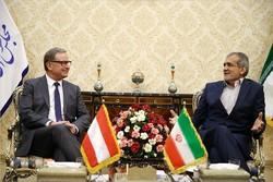 بزشكيان: يدعو الى تعاون الدول من أجل إعادة الأمن والاستقرار الى المنطقة