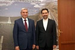 السفير الايراني في ارمينيا يلتقي وزير النقل الارمني