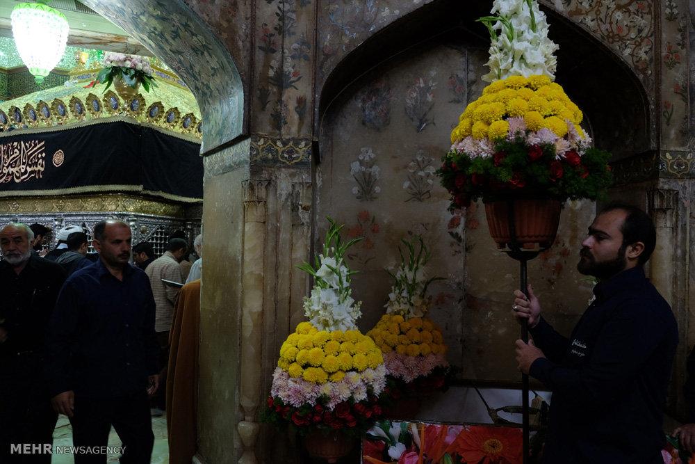 مراسم خطبه خوانی و تعویض گلهای ضریح حرم حضرت معصومه(س)