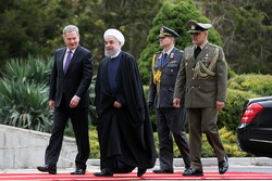 Rouhani welcomes Finnish president in historical palace