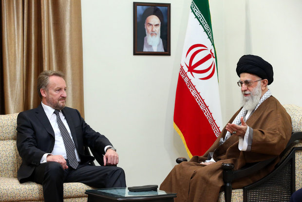 Leader receives Bosnian official
