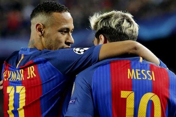 «نیمار» به خاطر «مسی» در بارسلونا بازی میکند