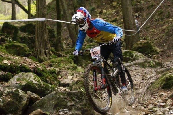 قهرمانان سومین مرحله لیگ دوچرخهسواری کوهستان شناخته شدند