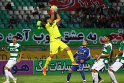 دیدار تیم های فوتبال ذوب آهن و استقلال خوزستان