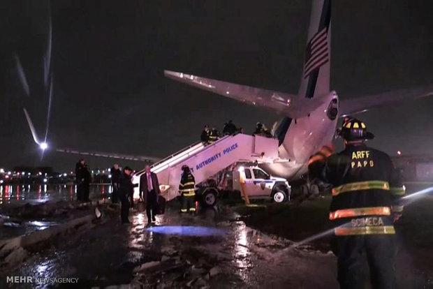 خروج هواپیمای معاون ترامپ از باند