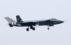 الصين تعرض الجيل الجديد من طائرة الشبح المقاتلة J20