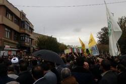 تشییع پیکر پاک شهید مدافع حرم آذربایجان شرقی بر دوش مردم تبریز