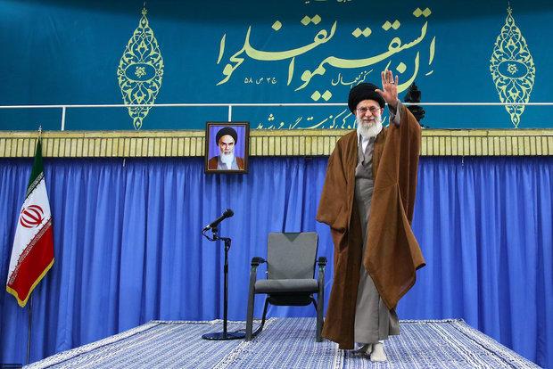 Thousands of students met with Ayatollah Khamenei