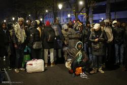 برچیدن چادر پناهجویان از خیابان های پاریس