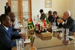 ظريف يستقبل وزير خارجية توغو