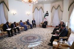روحاني: التدخل في شؤون الدول الاخرى يهدد السلام والامن الدولي