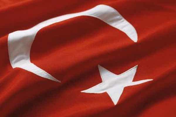 السلطات التركية تعزل 15 ألف موظف آخر