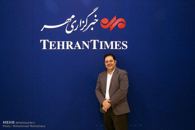 محمدرضا حسینیان در غرفه مهر در چهارمین روز بیست و دومین نمایشگاه مطبوعات و خبرگزاریها-2